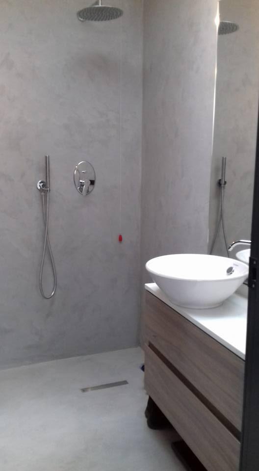 Bagno in resina spatolata, Monza